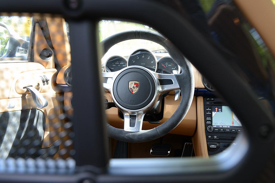 Lenkrad-Porsche-Cayman-R