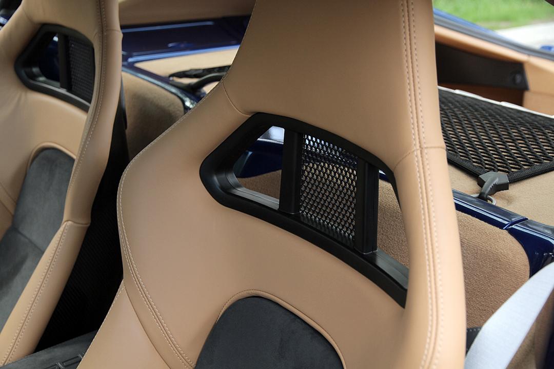 Sitze-Porsche-Cayman-R-Interior