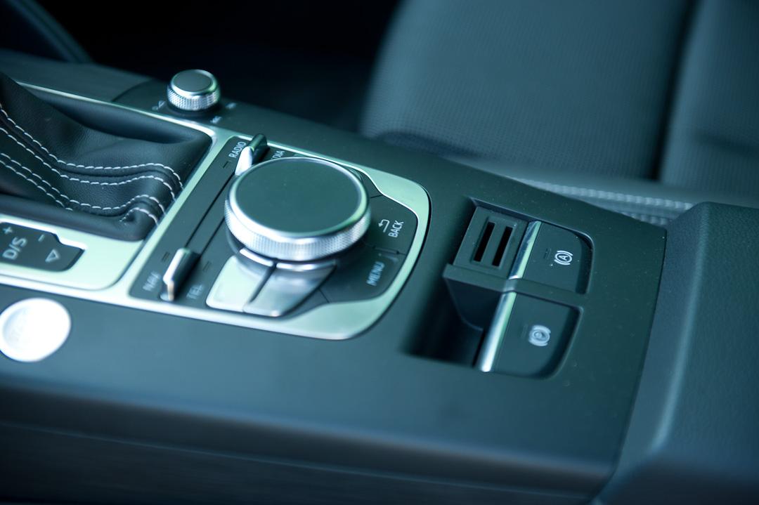 2012-Audi-A3-18-TFSI-quattro-sline-rot-mallorca-015