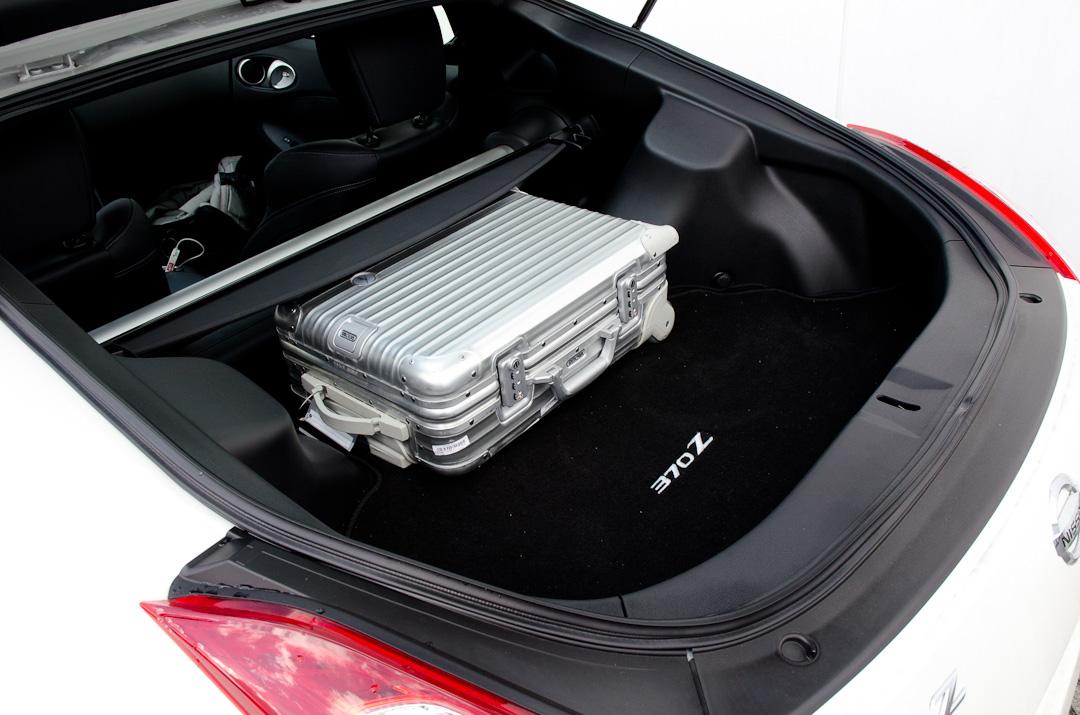 2012-Nissan-370Z-GT-Edition-005