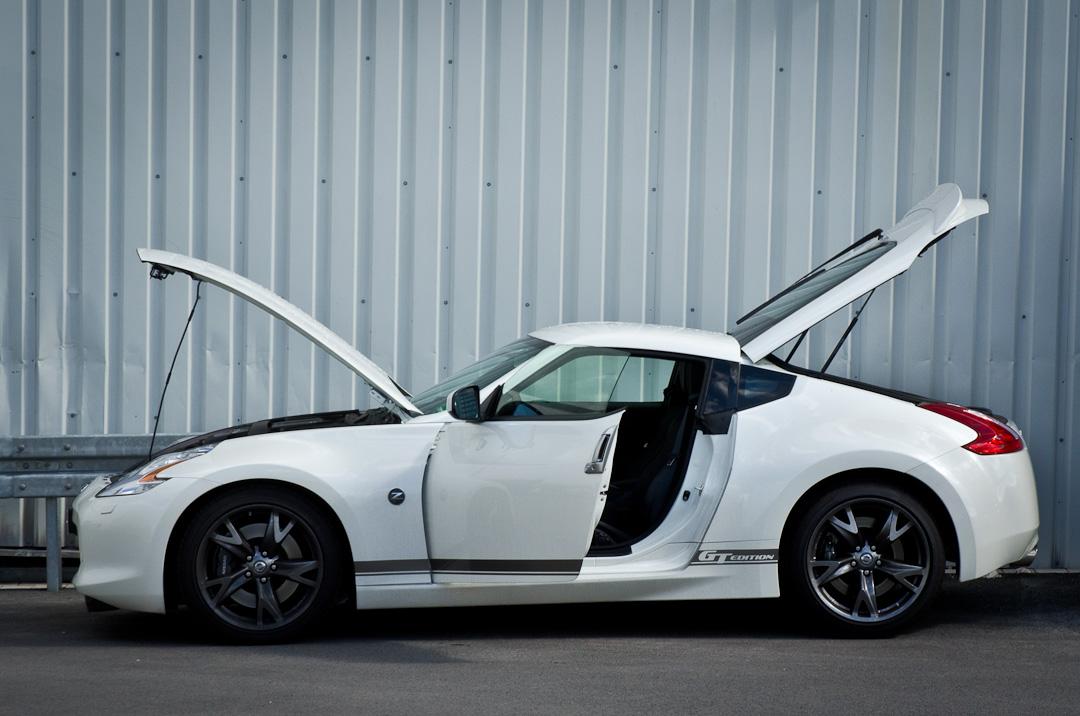 2012-Nissan-370Z-GT-Edition-007