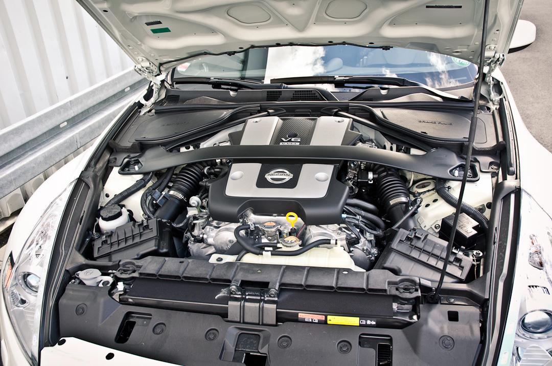 2012-Nissan-370Z-GT-Edition-008