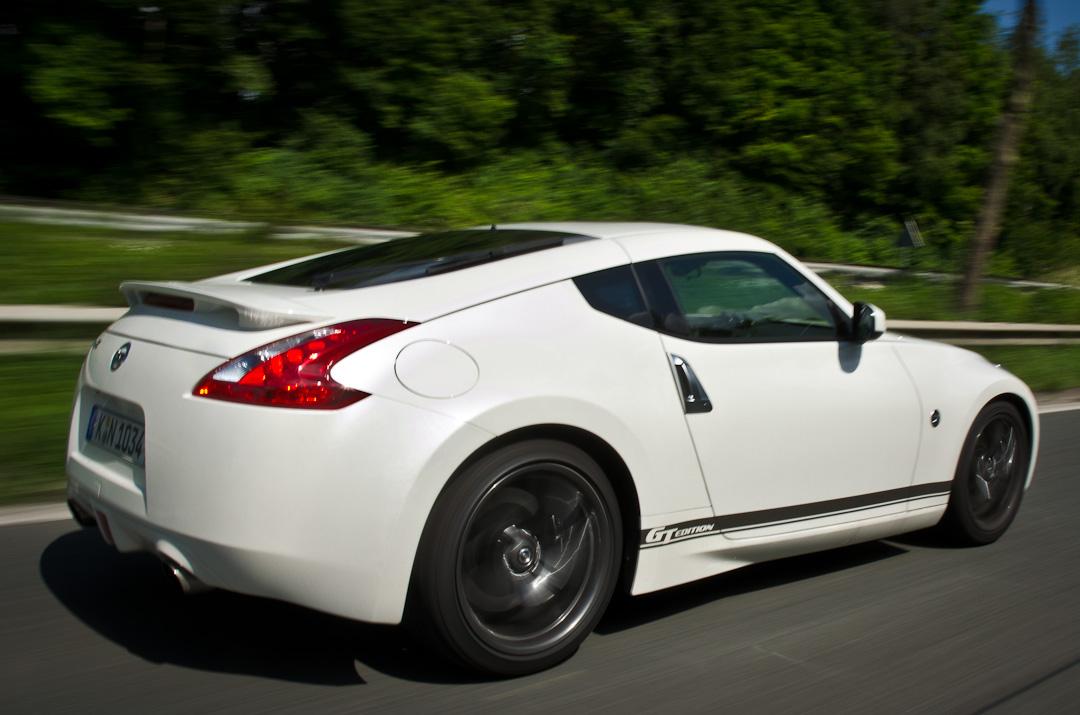 2012-Nissan-370Z-GT-Edition-036