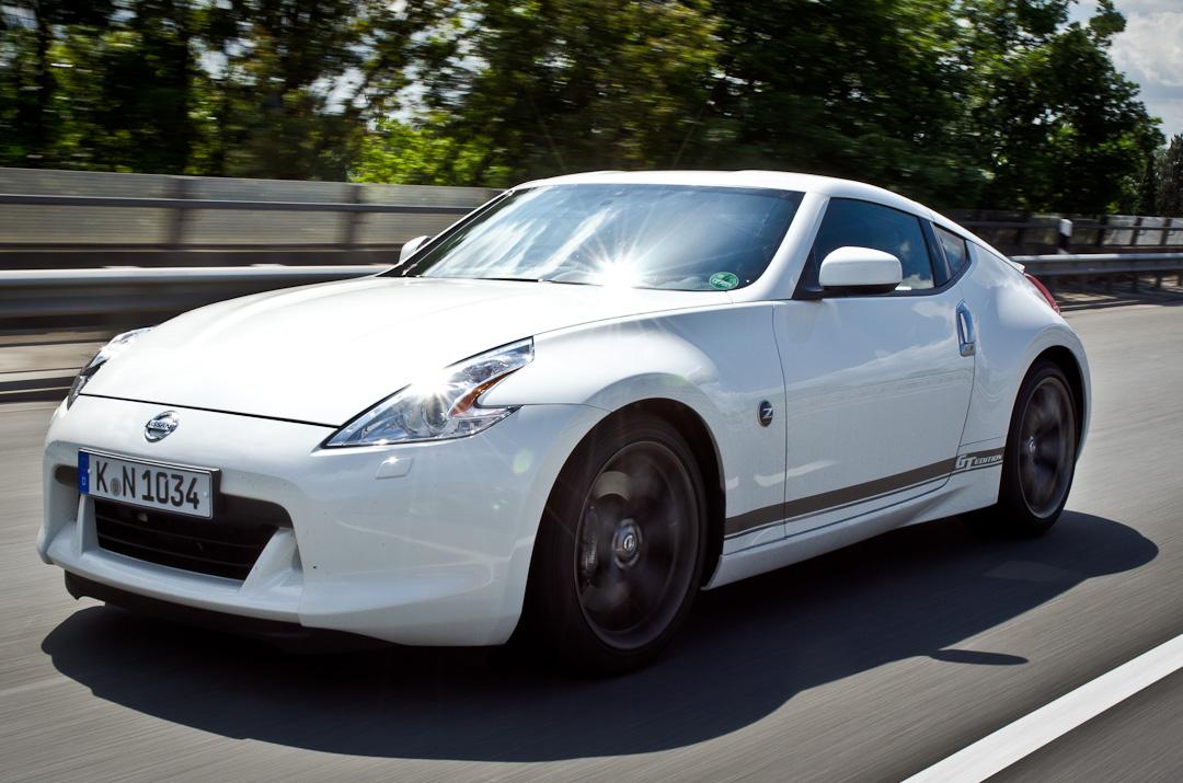 2012-Nissan-370Z-GT-Edition-037