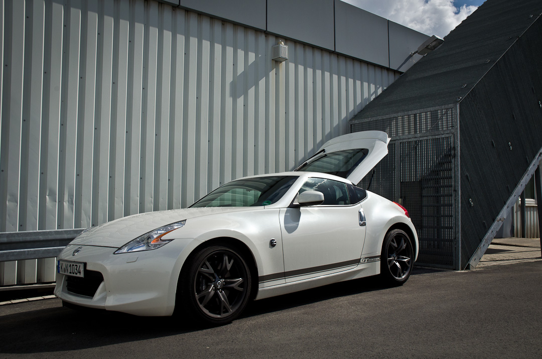2012-Nissan-370Z-GT-Edition-006