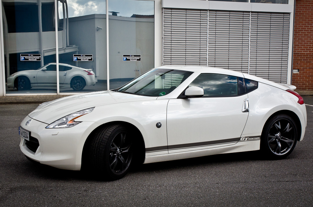 2012-Nissan-370Z-GT-Edition-017