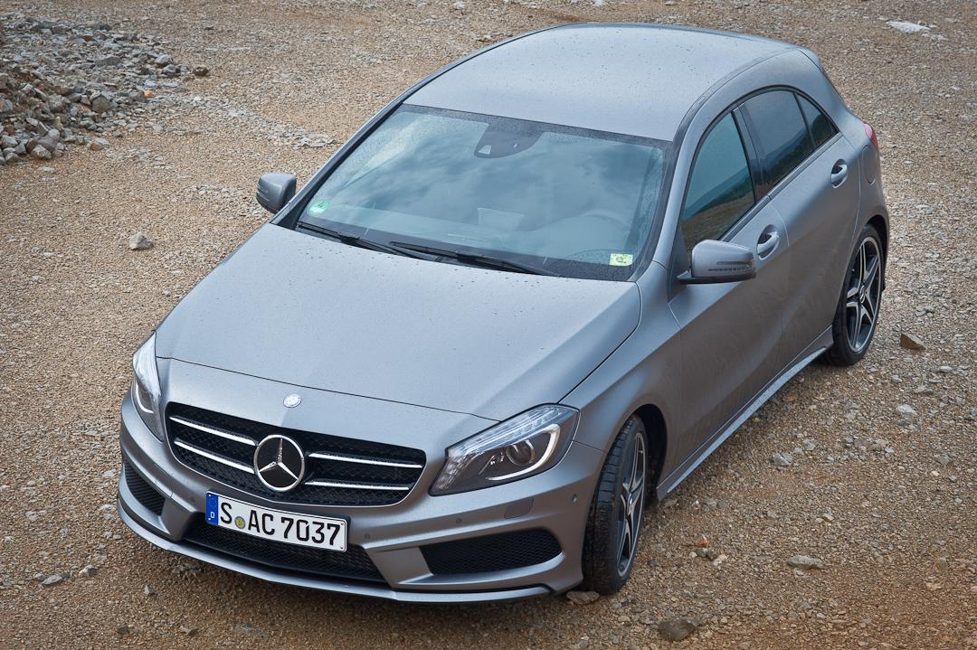 2012-Mercedes-Benz-A-Klasse-A-200-220-CDI-polar-silver-designo-mountain-grey-magno-03