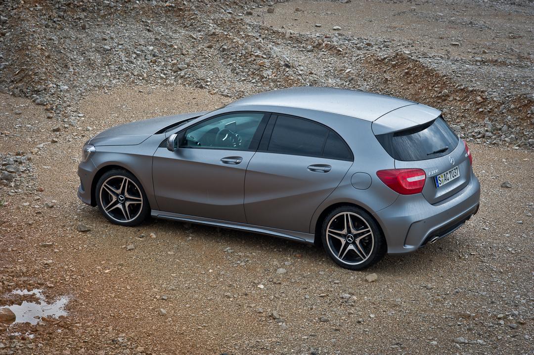 2012-Mercedes-Benz-A-Klasse-A-200-220-CDI-polar-silver-designo-mountain-grey-magno-04