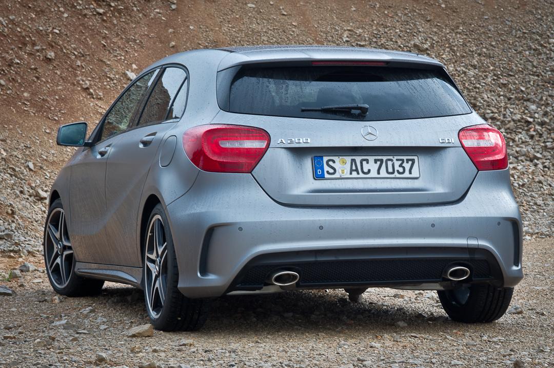 2012-Mercedes-Benz-A-Klasse-A-200-220-CDI-polar-silver-designo-mountain-grey-magno-05
