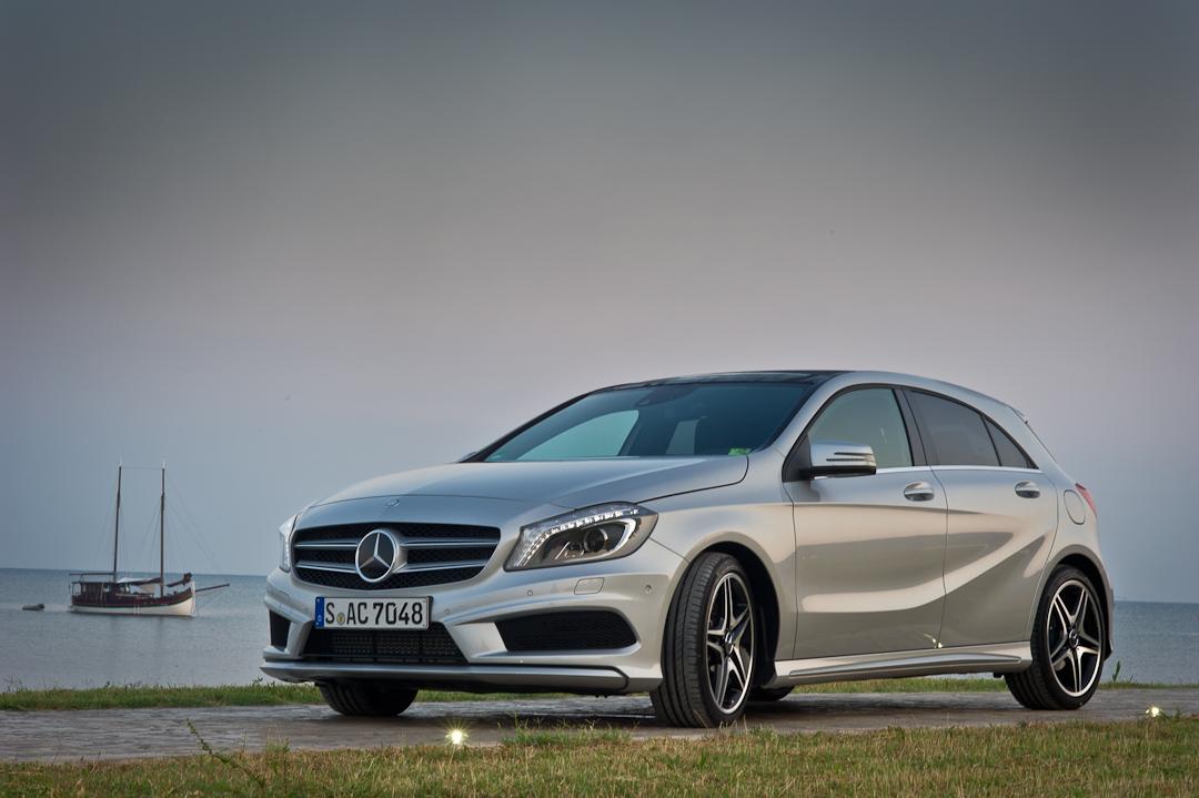2012-Mercedes-Benz-A-Klasse-A-200-220-CDI-polar-silver-designo-mountain-grey-magno-10