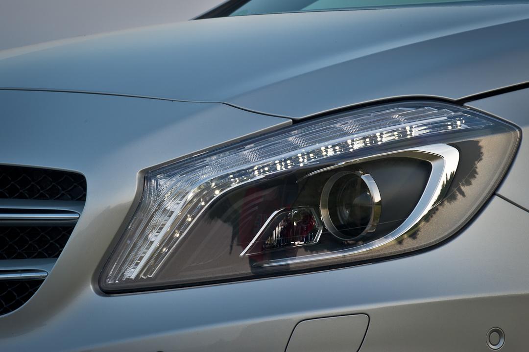 2012-Mercedes-Benz-A-Klasse-A-200-220-CDI-polar-silver-designo-mountain-grey-magno-12
