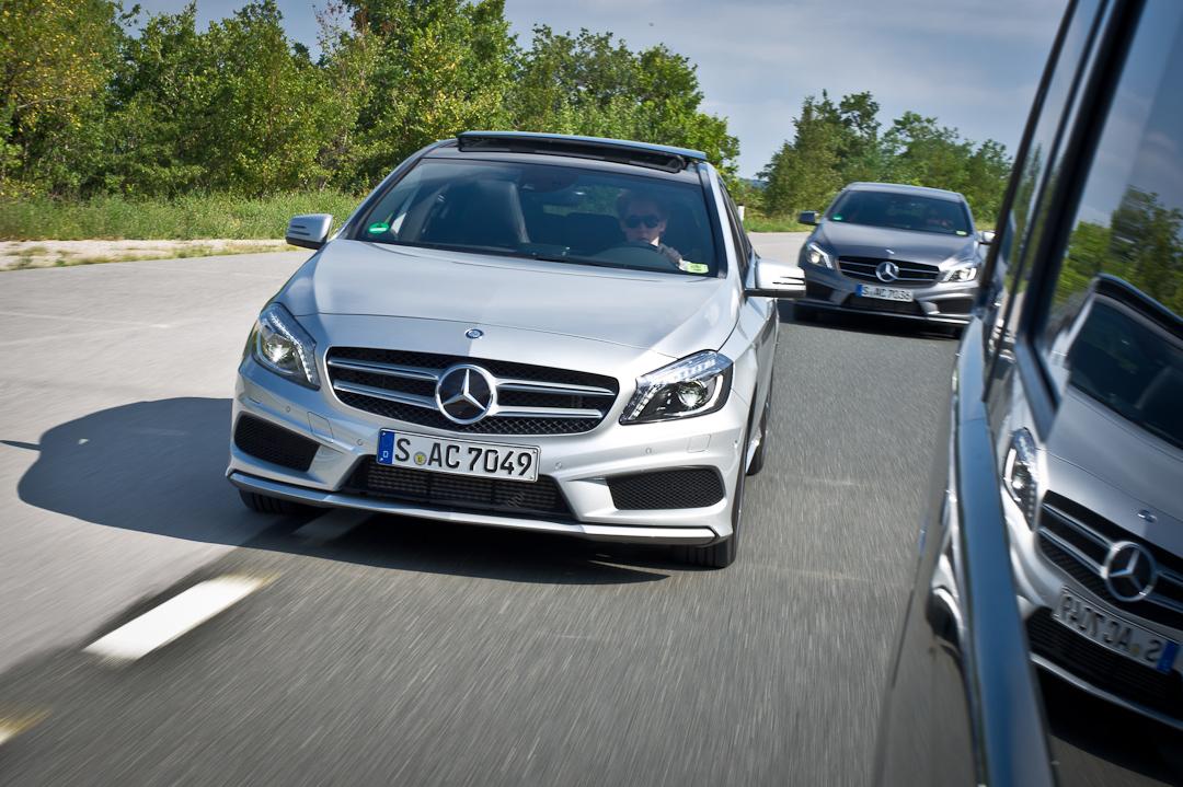 2012-Mercedes-Benz-A-Klasse-A-200-220-CDI-polar-silver-designo-mountain-grey-magno-18