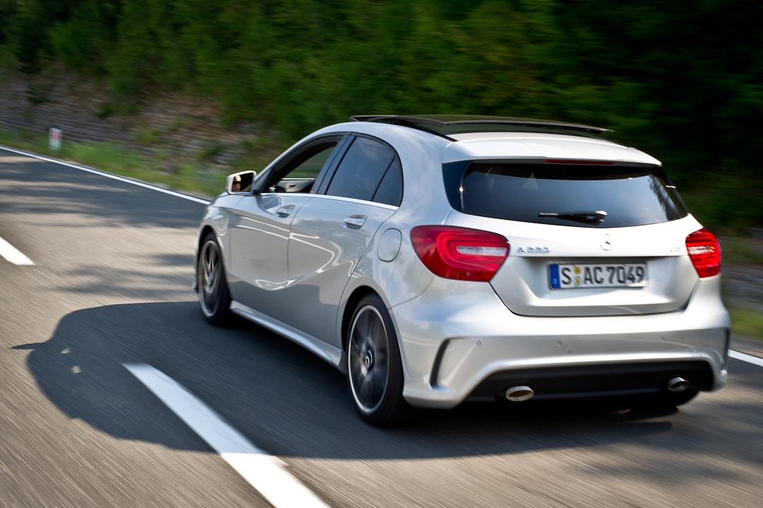 2012-Mercedes-Benz-A-Klasse-A-200-220-CDI-polar-silver-designo-mountain-grey-magno-19