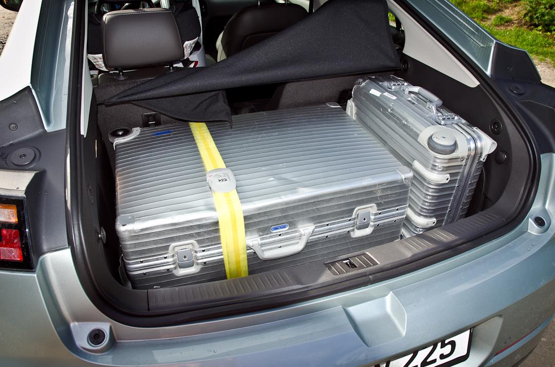 2012-Chevrolet-Volt-07