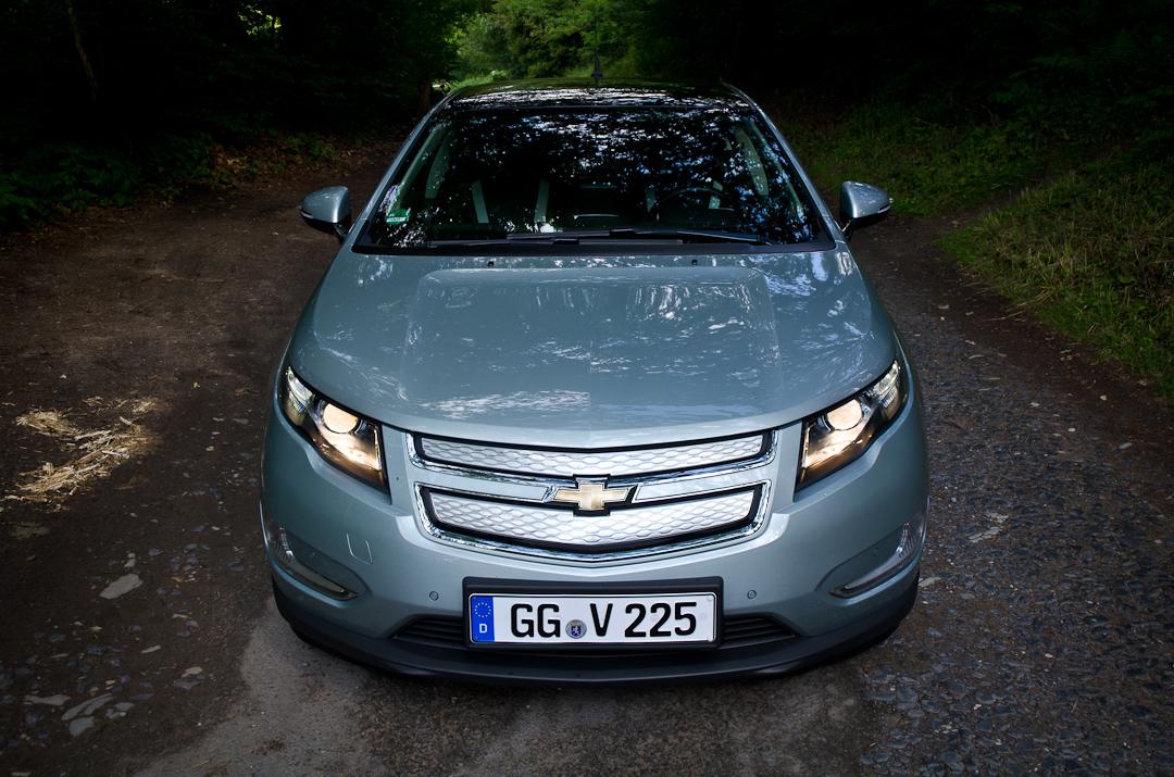 2012-Chevrolet-Volt-04