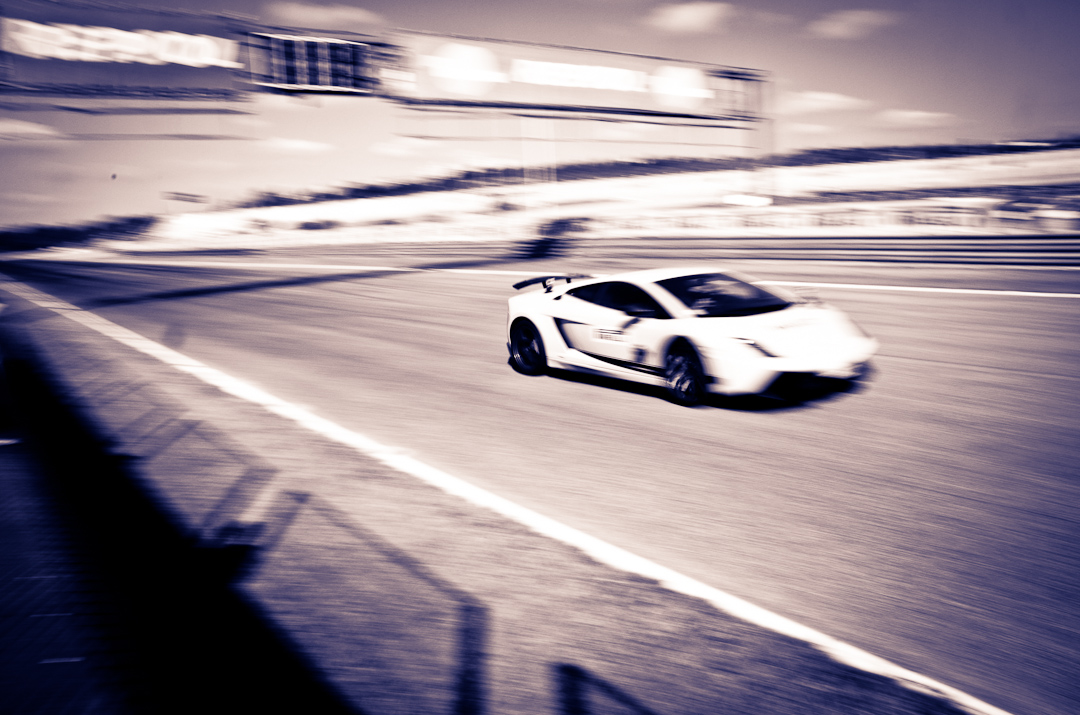 2012-Lamborghini-Gallardo-Superleggera-01