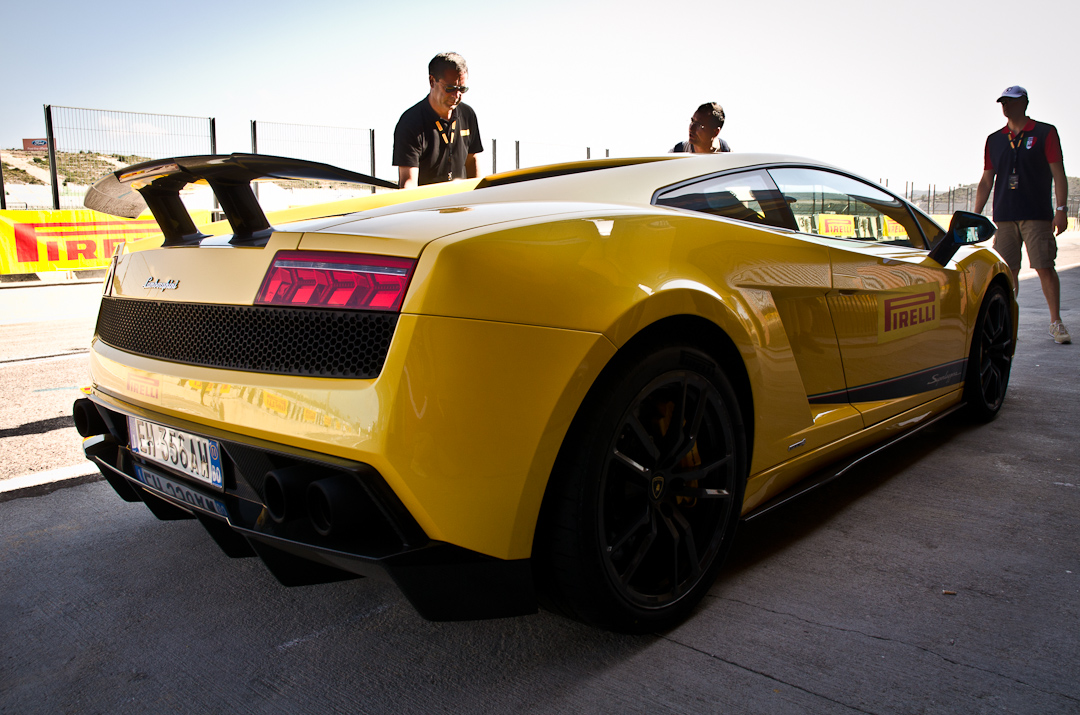 2012-Lamborghini-Gallardo-Superleggera-03