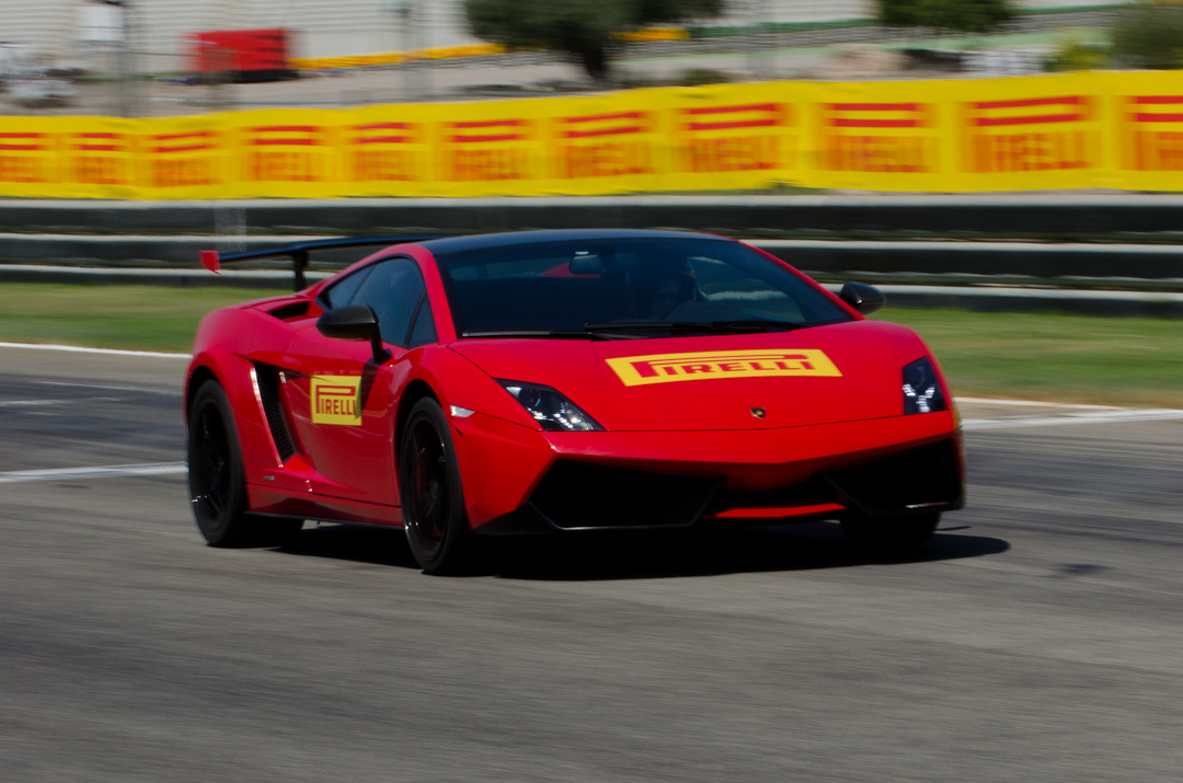 2012-Lamborghini-Gallardo-Superleggera-11