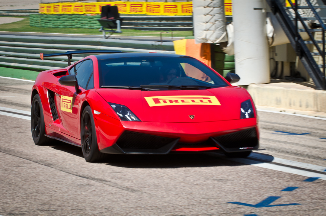 2012-Lamborghini-Gallardo-Superleggera-12