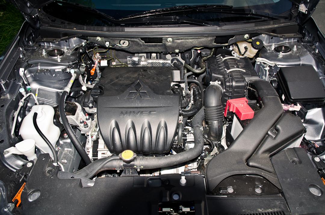2012-Mitsubishi-Lancer-16-MIVEC-ClearTec-35jahre-07
