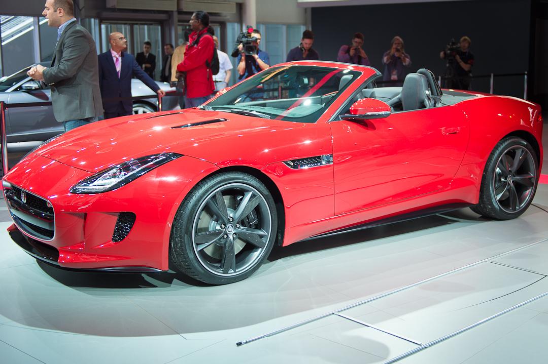 Paris12: Jaguar F-Type