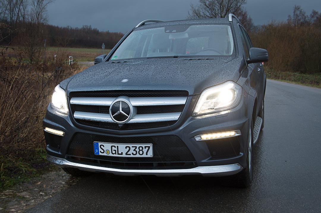 2012-Mercedes-Benz-GL-Klasse-x166-003