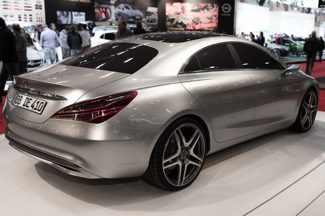 Mercedes-Benz-Design-Style-coupe-cla-Essen-Motor-Show-2012-001