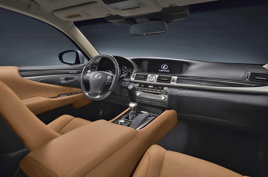 Lexus-LS-460-Interieur