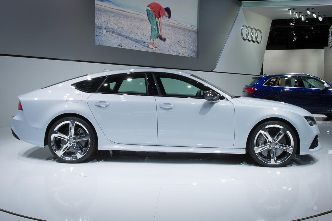 NAIAS-2013-Audi-RS7-Sportback-weiss-seite
