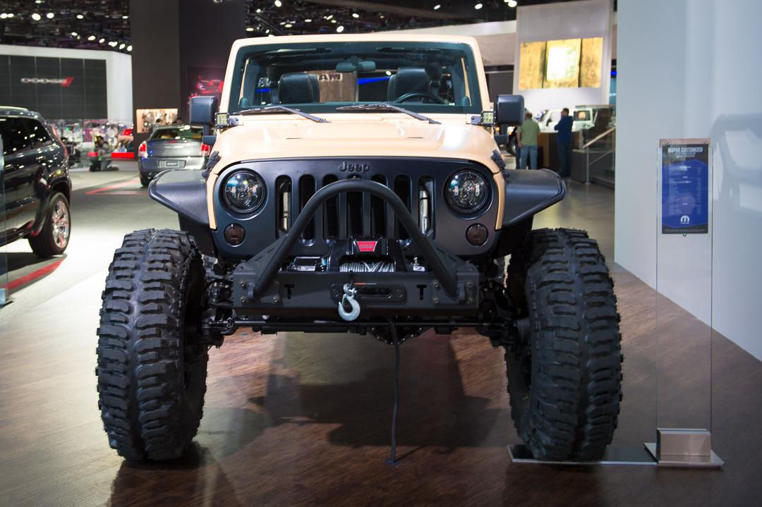 naias-2013-jeep-wrangler-sand-trooper-mopar-customized-002