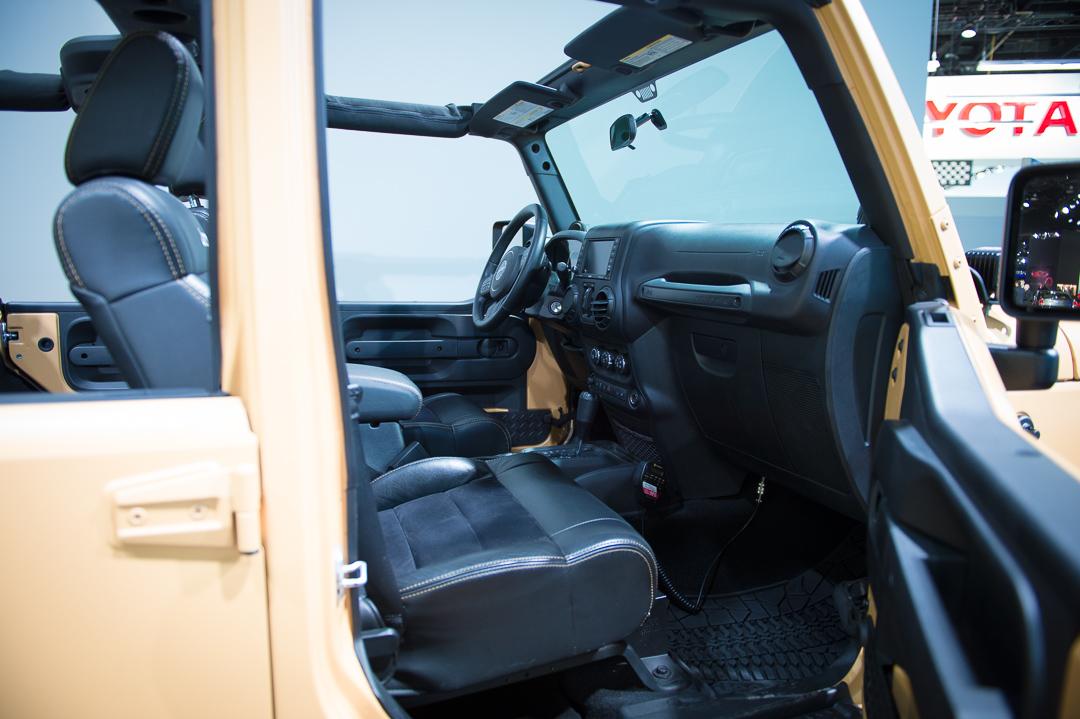 naias-2013-jeep-wrangler-sand-trooper-mopar-customized-007