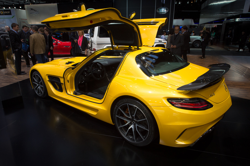 naias2013-2013-mercedes-benz-sls-amg-blackseries-yellow-001