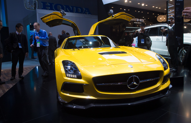 naias2013-2013-mercedes-benz-sls-amg-blackseries-yellow-004