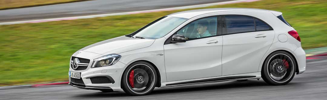 2013-Mercedes-Benz-A-45-AMG-Edition-1-Cirrusweiss-6-fahrbild