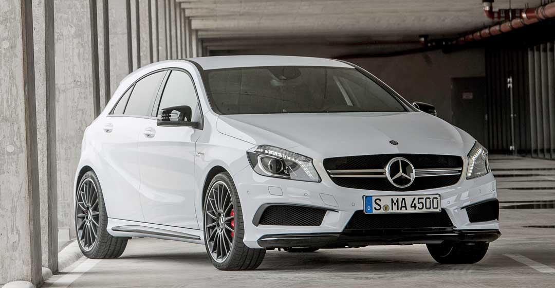 2013-Mercedes-Benz-A-45-AMG-Edition-1-Cirrusweiss-schraegvorne