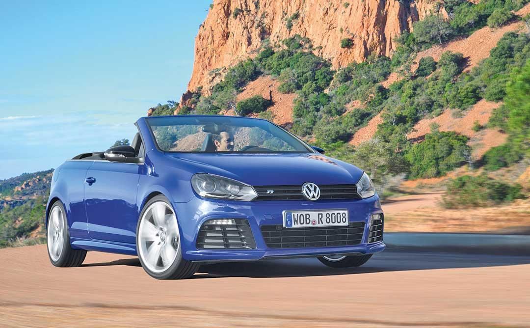 2013-Volkswagen-VW-Golf-R-Cabriolet-blau