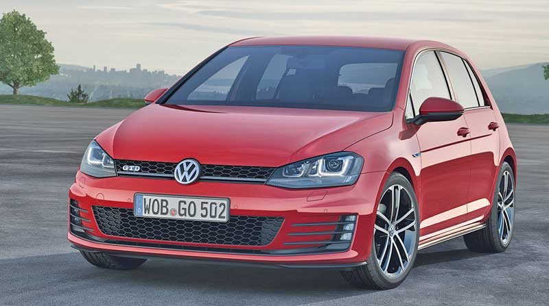 2013-Volkswagen-VW-Golf-VII-GTD-rot-vorne-links