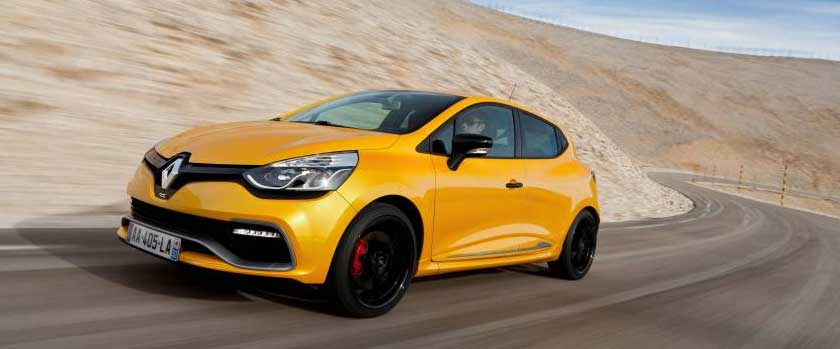 2013-renault-clio-rs-gelb-motion-seite-links