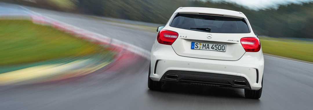 2013-Mercedes-Benz-A-45-AMG-Edition-1-Cirrusweiss-2-fahrbild