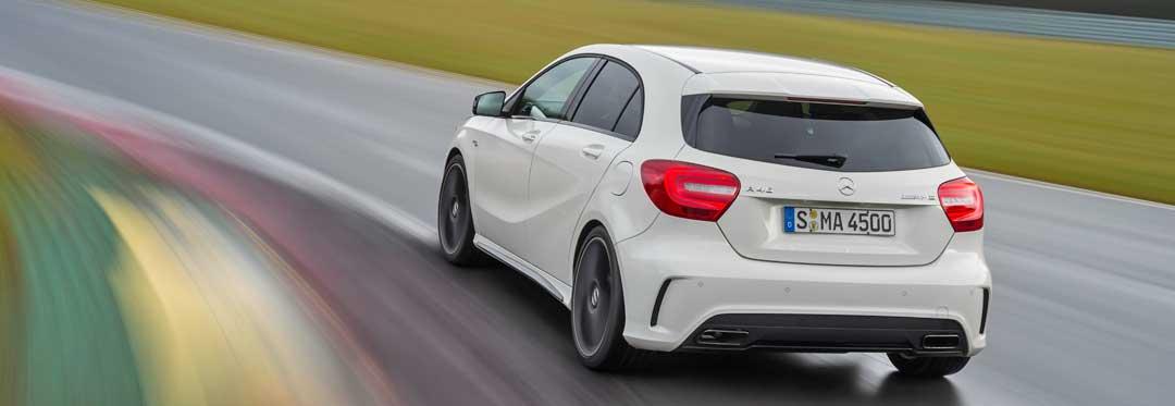 2013-Mercedes-Benz-A-45-AMG-Edition-1-Cirrusweiss-3-fahrbild