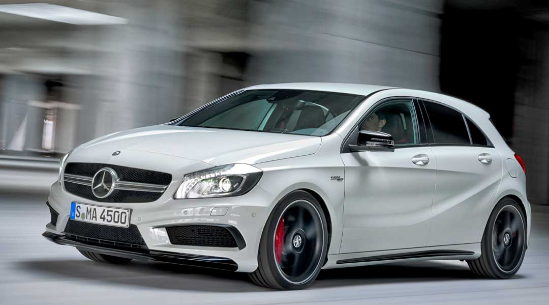2013-Mercedes-Benz-A-45-AMG-Edition-1-Cirrusweiss-fahrbild