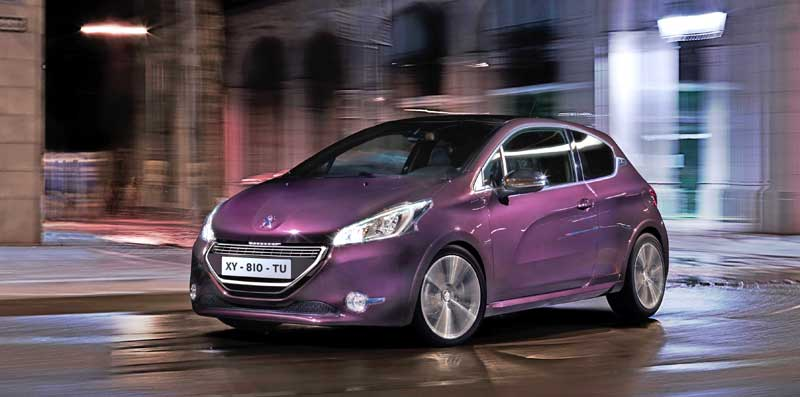 2013-Peugeot-208-xy-vorne-links-lila