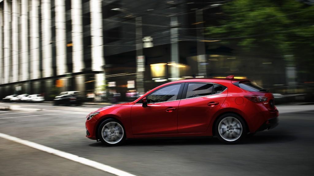 2013-Mazda3-Hatchback-rot