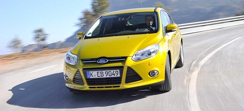 2014-Ford-Focus-EcoBoost-gelb