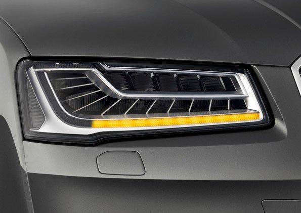 2013-Audi-A8-Facelift-Blinker