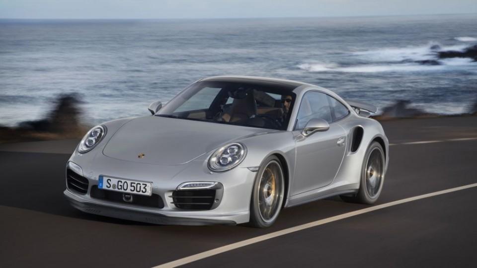 2013-Porsche-911-Turbo-S-silber-fahrbild