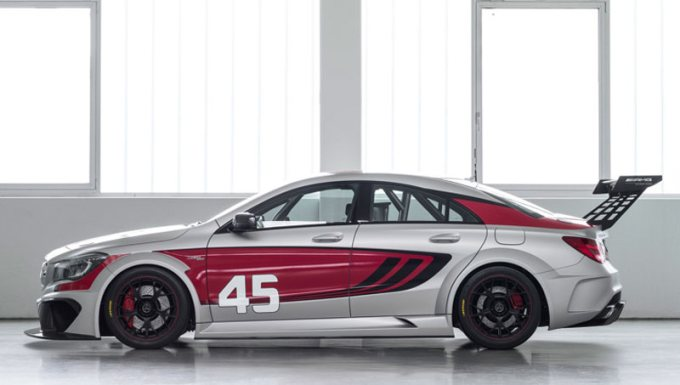 2013-Mercedes-Benz-CLA45AMG-Racing-Series-C117-Seite-links