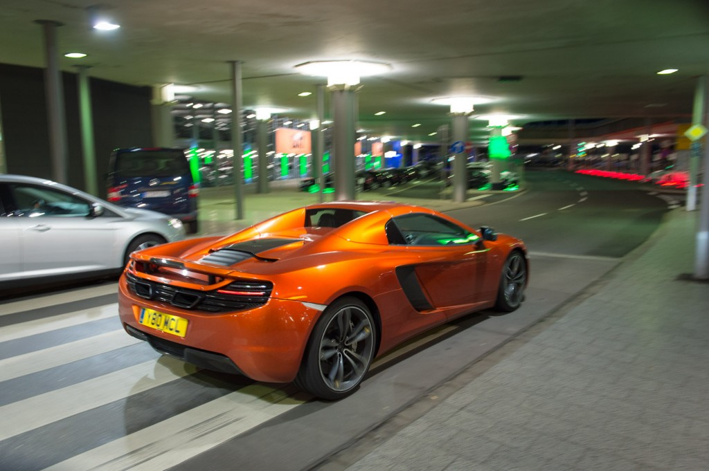 2013-mclaren-mp4-12c-spider-orange-23
