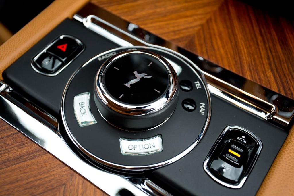 2013-Rolls-Royce-Wraith-H68C6398589