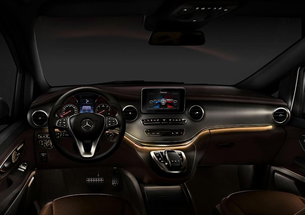 2014-Mercedes-Benz-V-Klasse-Interior-04